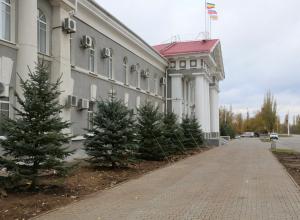 Неадекватная женщина пыталась сжечь себя возле администрации Волгодонска