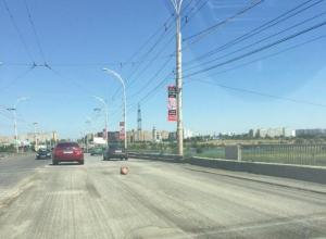 Путепровод Волгодонска оставили практически без асфальта