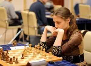 Волгодонская шахматистка Евгения Сухарева победила на турнире по быстрым шахматам