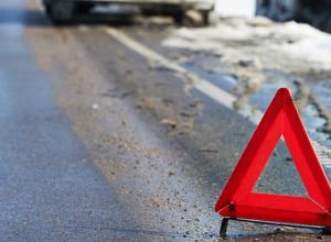 Женщина погибла в лобовом ДТП в Мартыновском районе