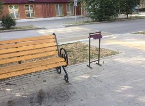 «Не аллея, а помойка»: жителей города возмущает грязь на аллее 50 лет СССР