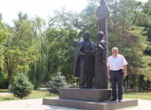 Больше всего в Волгодонске Петр Горчанюк любит памятник муромским святым Петру и Февронии