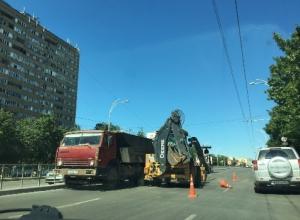 На Строителей фрезеруются дороги без дорожных знаков
