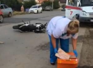 В Волгодонске водитель и пассажирка мотоцикла разбились в страшном ДТП.18+