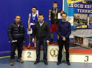Воспитанник «Золотой перчатки» из Волгодонска завоевал путевку на первенство России по боксу