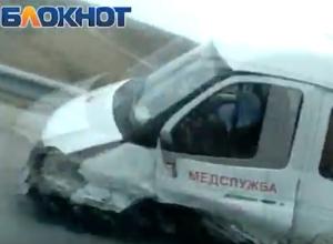 Машина медслужбы попала в лобовое ДТП под Волгодонском