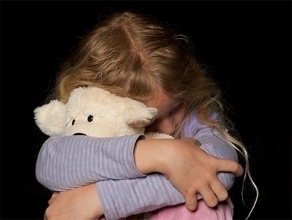 В Зимовниковском районе мужчина год насиловал малолетнюю сестру своей жены