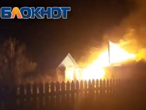 Сильный пожар в Цимлянске попал на видео