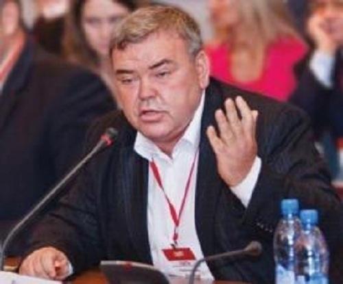 Крупный предприниматель Александр Смольянинов выпал с13 этажа многоэтажки