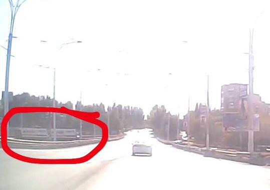 «Магнитовская» фура спустилась с моста по встречке в Волгодонске