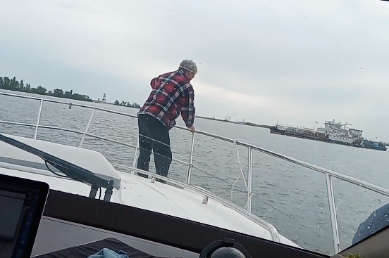 Моряк показал на видео, как за 4 часа проплыл из Калача-на-Дону к Волгодонску