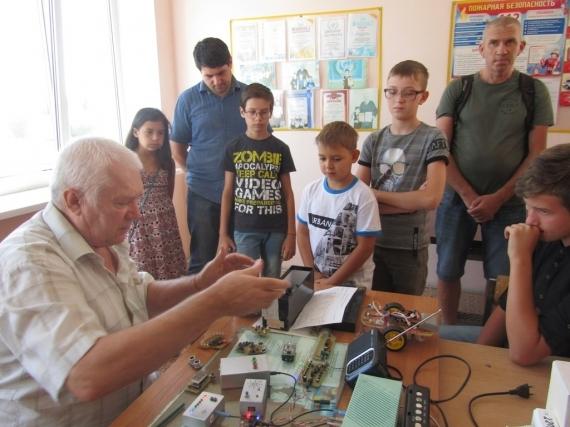В День открытых дверей в объединения и секции станции юных техников записались 1436 детей