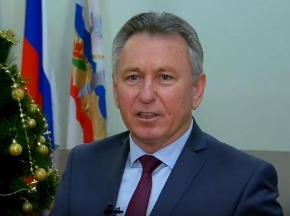 Виктор Мельников пожелал волгодонцам оптимизма и здоровья в наступающем году