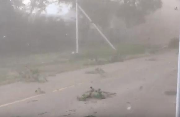Пыльная буря и ураган обрушились на Волгодонск и окрестности