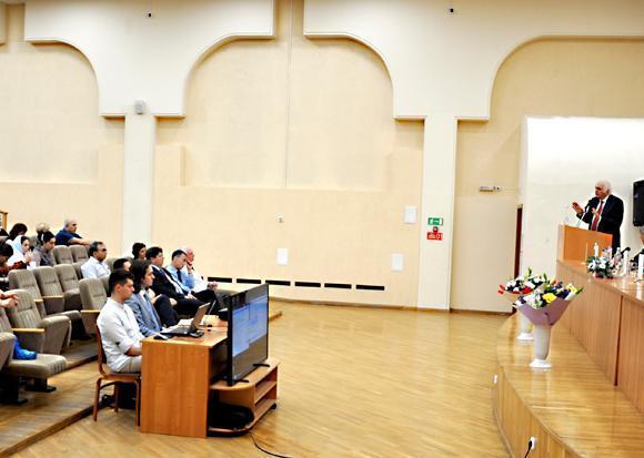 Волгодонские врачи приняли участие в научно-практической конференции сердечно-сосудистых хирургов и кардиологов ЮФО