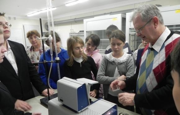 Учащиеся центра «Радуга» прошли экологический практикум в лаборатории ВИТИ НИЯУ МИФИ