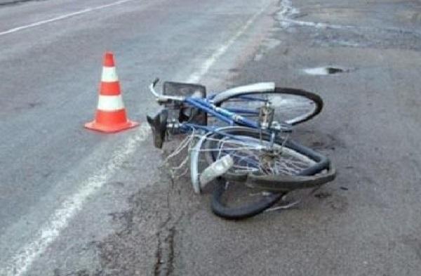 На трассе Ростов - Волгодонск автомобиль переехал велосипедиста