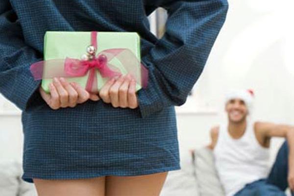BeautyBlog «Правильный выбор»: Как превратить банальный подарок мужчине в подарок с изюминкой? Зачем мужчинам дарят «пену для бритья»? Где купить приличный презент любимому за 200 рублей?