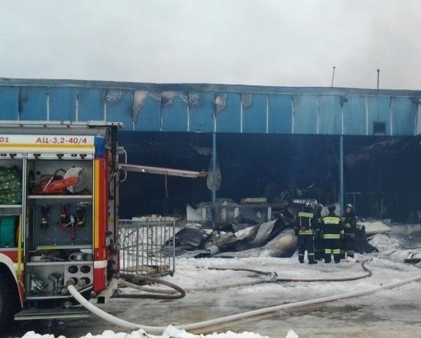 Огонь полностью уничтожил один из цехов мясокомбината