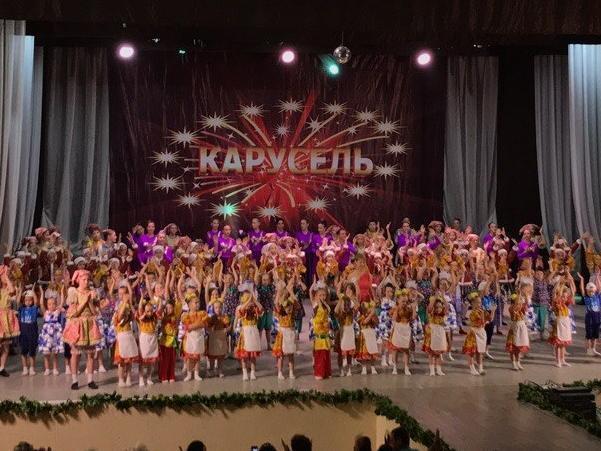 С аншлагом прошел отчетный концерт «Карусели» в Волгодонске