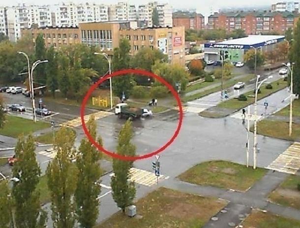 Смертельное ДТП на улице Гагарина в Волгодонске попало на видео камеры наблюдения