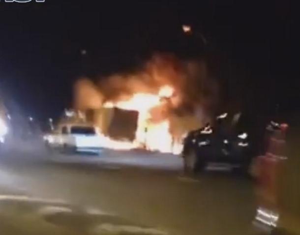 Размещено видео сместа ДТП, где фуры сгорели после чудовищного столкновения