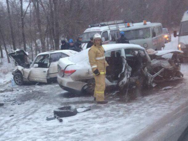 Пострадавшие в смертельном ДТП возле Потапова остаются в реанимации БСМП Волгодонска