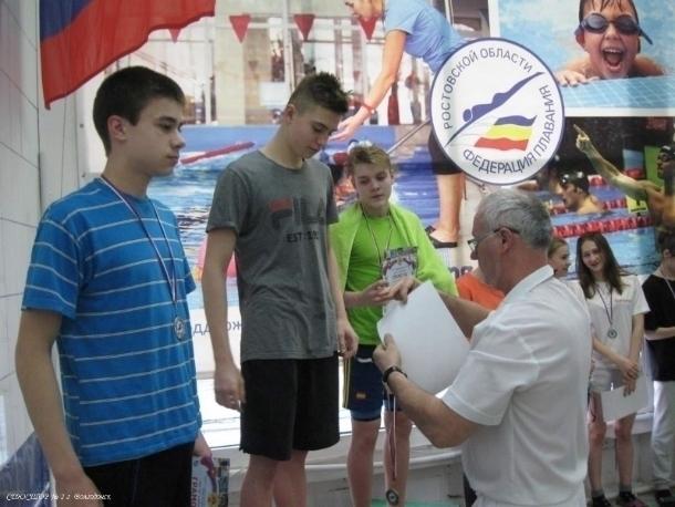 Сильнейшие пловцы Волгодонска и Цимлянска утроили соревновательные заплывы ради места в сборной города