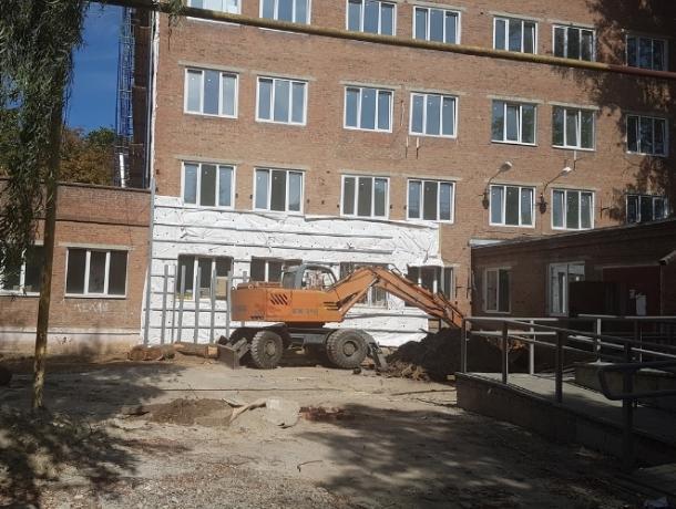 Ремонт терапии Горбольницы №1 Волгодонска продолжается «вопреки»