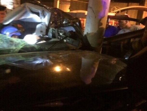 24-летний волгодонец разбил в хлам «Опель», врезавшись в столб возле «Комсомольца»