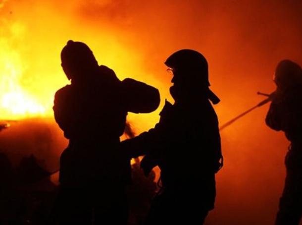 В Цимлянском районе загорелась хозпостройка