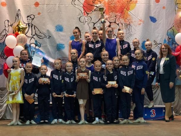 «Золото» и «серебро» привезли волгодонские танцоры «Антуража» со всероссийского турнира