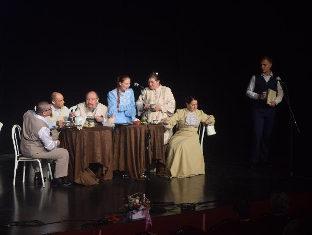 Волгодонский молодежный театр впервые принял участие в открытии сезона союза театральных деятелей