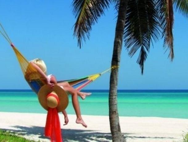 Лето - это пора последних звонков, отдыха и развлечений, а также пора поступлений в ВУЗы и колледжи