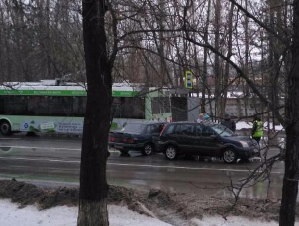 ДТП с участием трёх «легковушек» произошло на пешеходном переходе в Волгодонске
