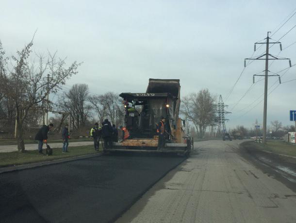 Два дня до дедлайна: Успеют ли московские дорожники отремонтировать Прибрежную в Волгодонске