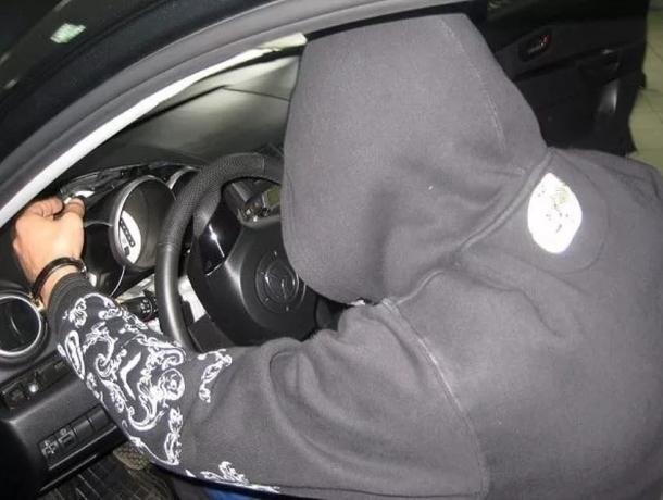 Молодой волгодонец угнал автомобиль под Зимовники