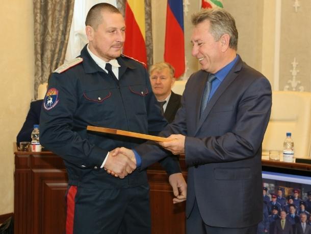 Лучшие казачьи дружинники Волгодонска получили дипломы и премии