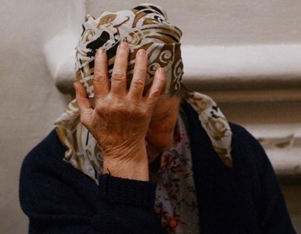 Пожилая волгодончанка получила сотрясение мозга и множество ушибов после нападения на нее неизвестной женщины
