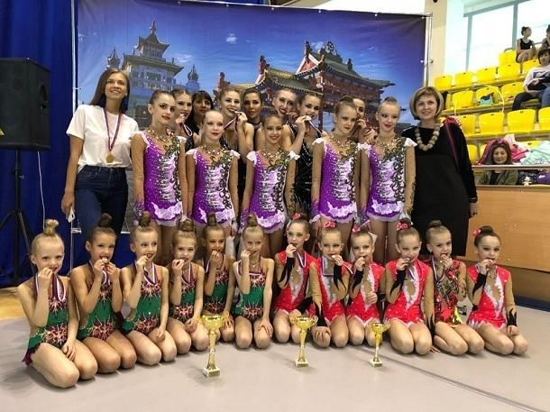 Ошеломительные результаты показали волгодонские юные гимнастки на соревнованиях в Аксае и Элисте