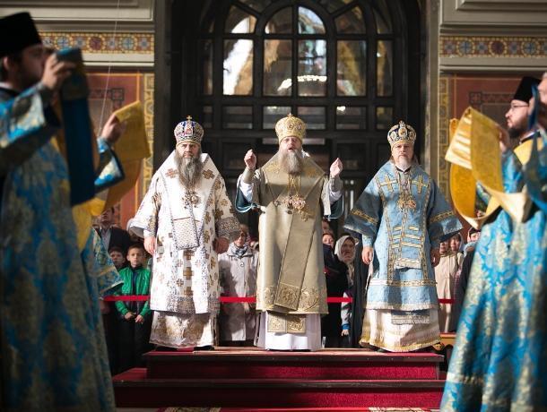 Епископ Волгодонской и Сальский Корнилий совершил Божественную литургию в соборе Вознесения Господня