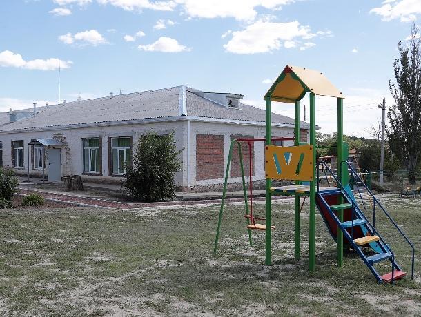 На 64% выполнен затянувшийся ремонт детсада «Журавлик» в Цимлянском районе