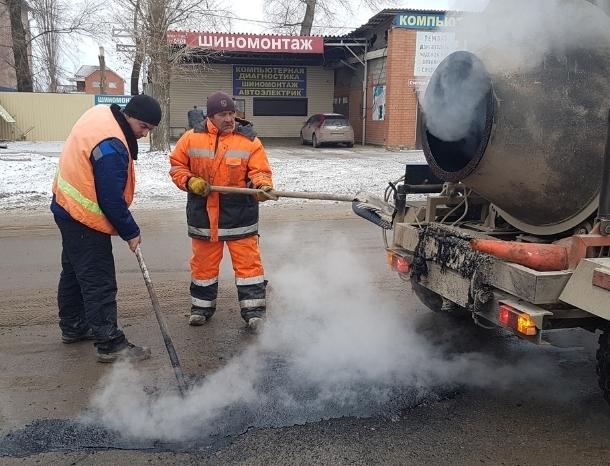 К устранению сверхнормативных ям в Волгодонске впервые приступили в январе