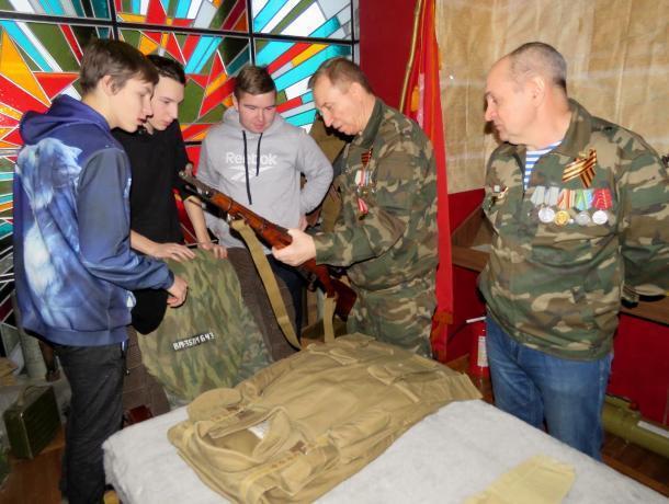 Ветераны-афганцы провели урок мужества для студентов волгодонского техникума