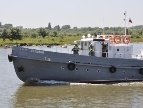 Водолазный бот «Дельфин» передали спасателям Волгодонска
