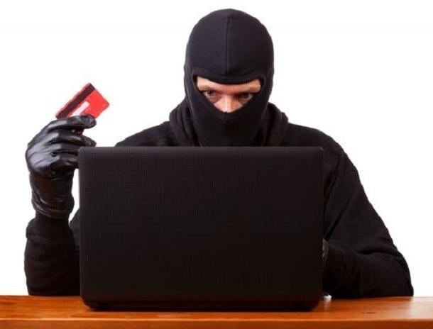 Полицейские информируют волгодонцев о том, как не лишиться своих сбережений на банковской карте из-за мошенников
