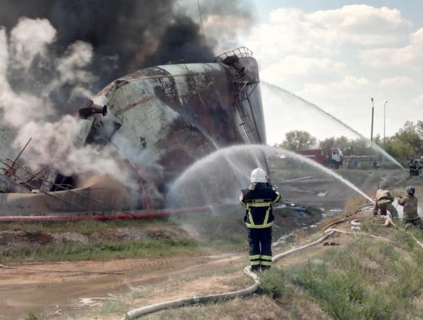 35 пожарных пытаются потушить пожар в районе ТЭЦ-2