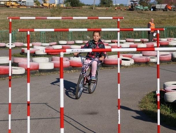 В течение трех дней школьники Волгодонска соревновались в фигурном вождении