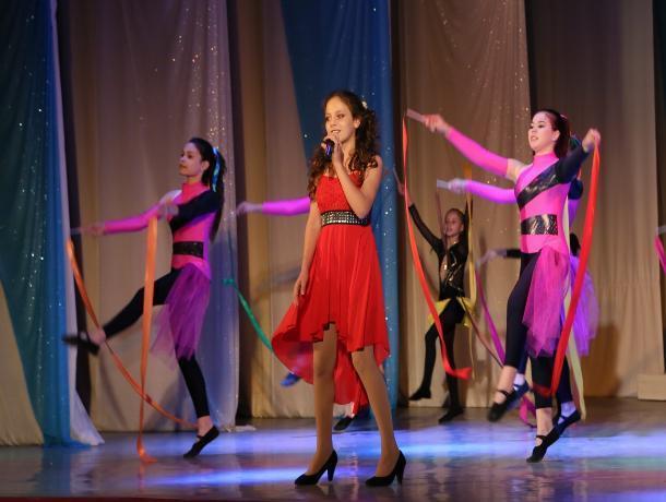Дети с ограниченными возможностями помогли организовать яркий концерт в Волгодонске