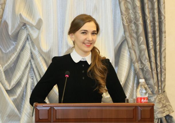 Мадина Хачароева удостоена звания лучшего муниципального служащего городского округа